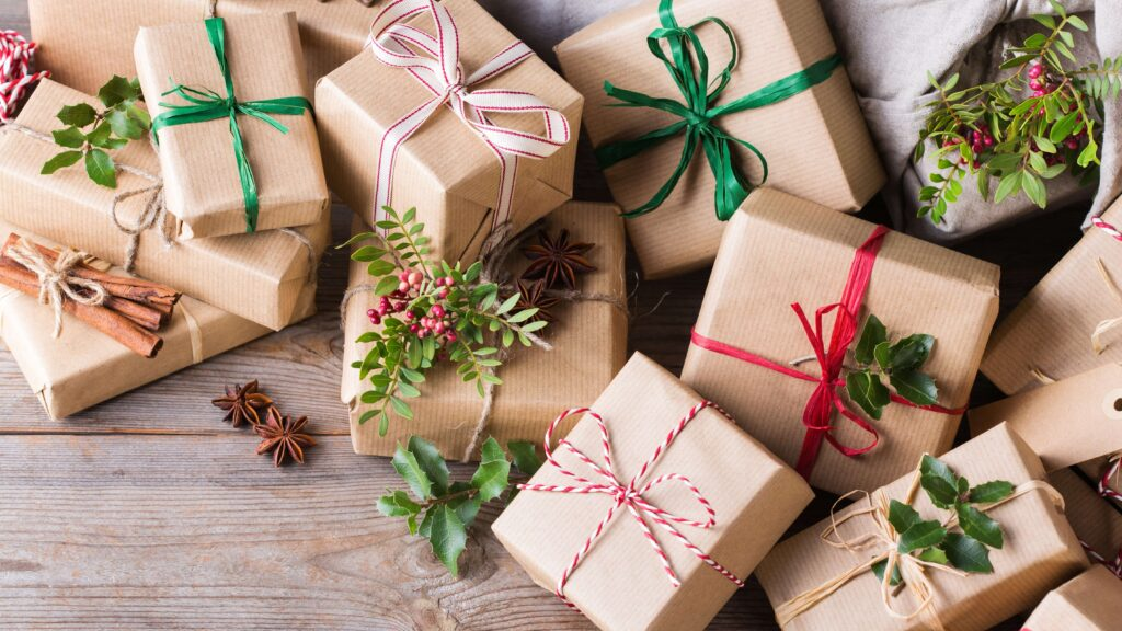 giving-the-gift-of-paper