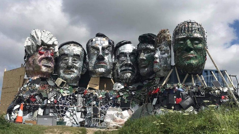 'Mount Recyclemore' – G7 Leaders Made Of Electronic Waste